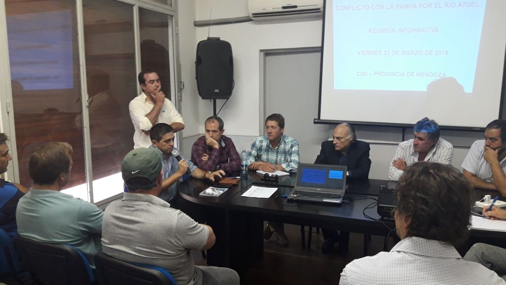 Reunión informativa en Alvear por las obras necesarias para el río