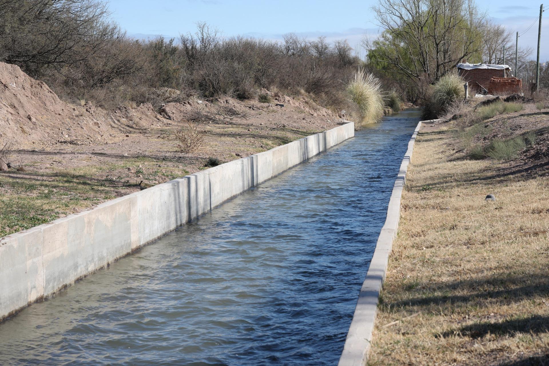 Cuenca del Atuel: Marinelli inauguró obras realizadas en el canal matriz Perrone