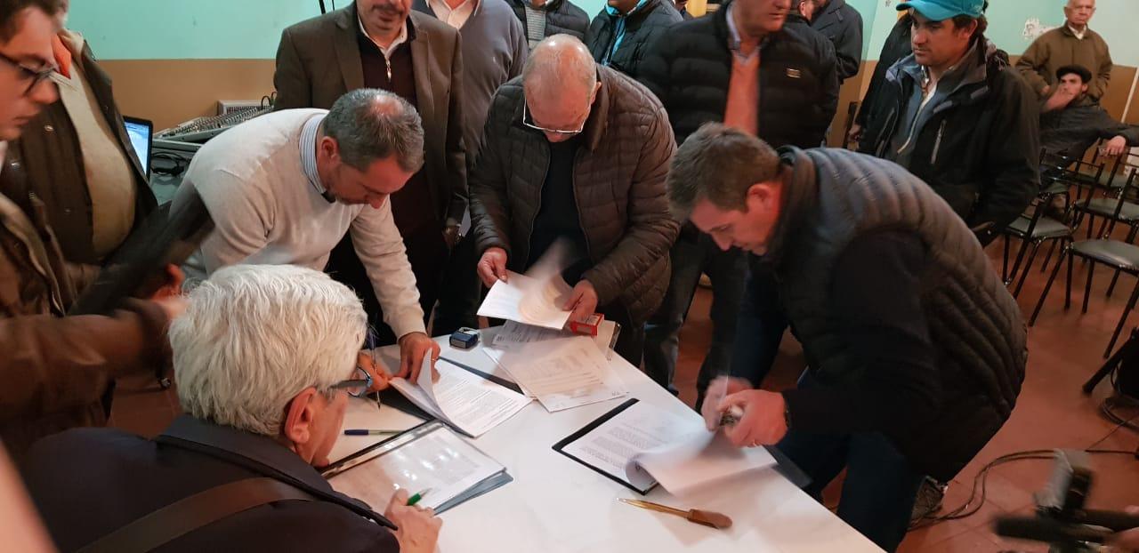 Irrigación firmó un convenio para el reuso agrícola de efluentes urbanos de San Carlos