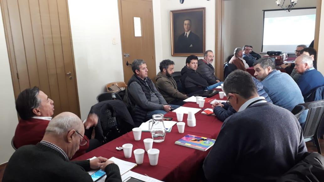 Reunión en dique Cipolletti con Subdelegados y personal de Subdelegaciones