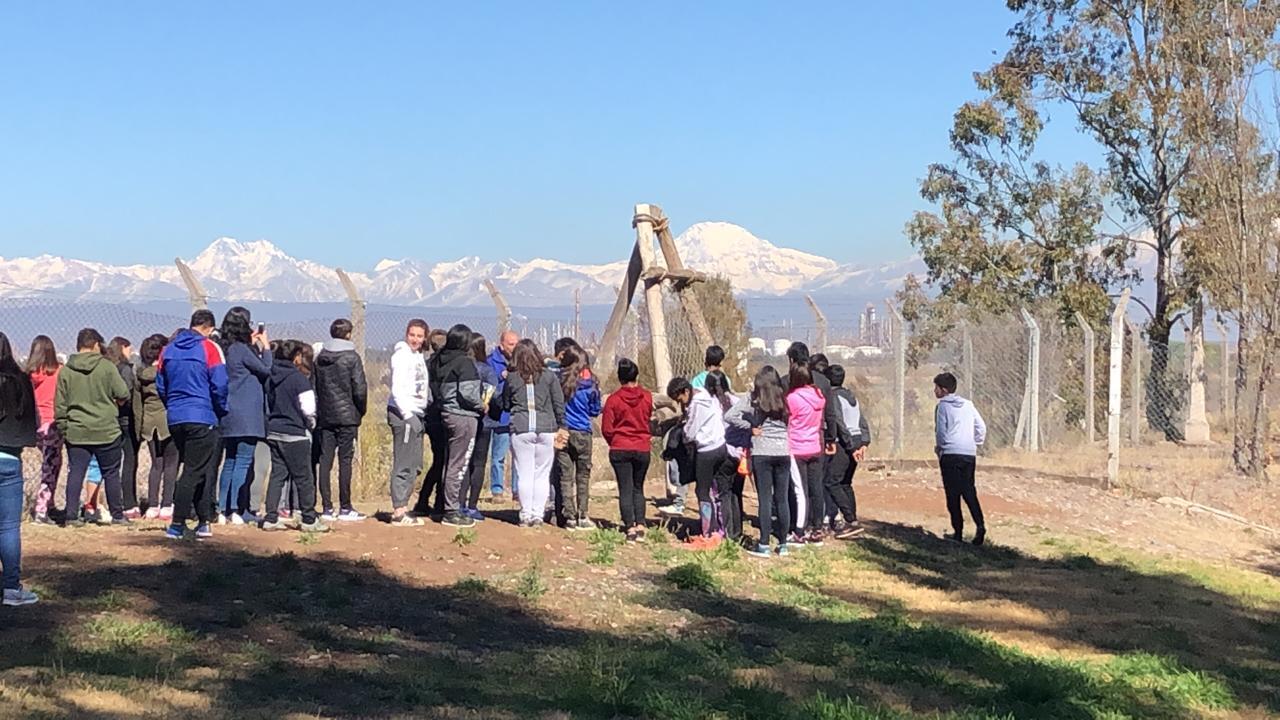 60 chicos de secundaria aprendieron en el dique Cipolletti