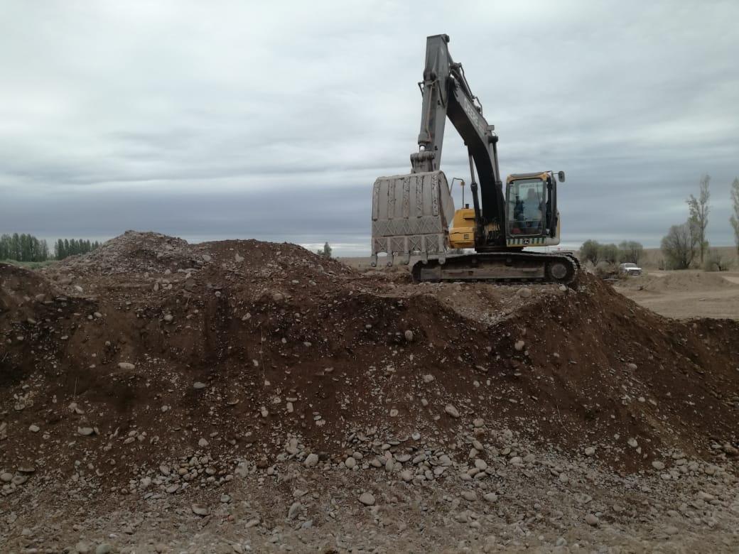 Comenzaron los movimientos de suelo para la construcción del reservorio Ortega