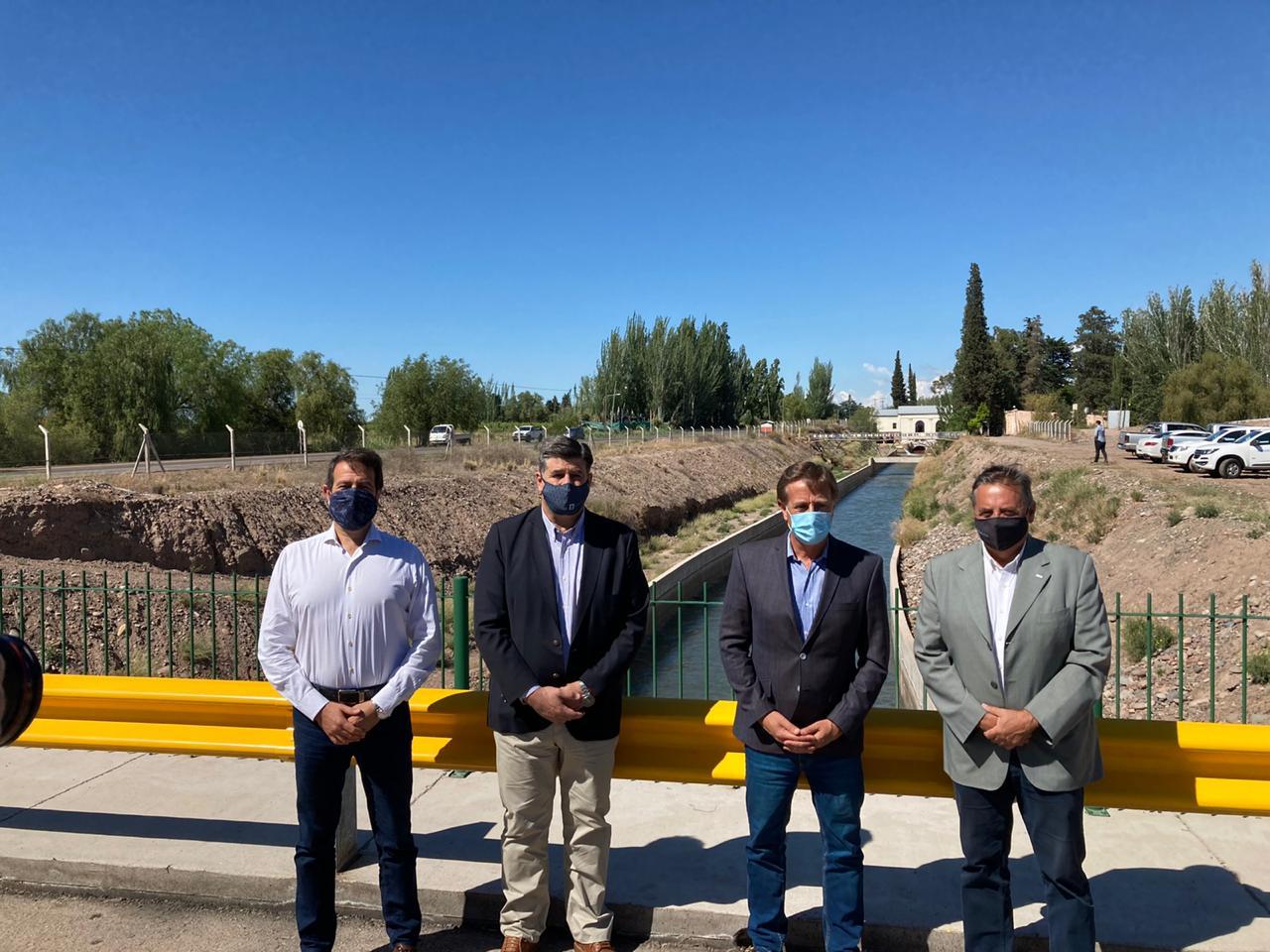 Suárez y Marinelli inauguraron el Revestimiento del Tramo Superior del canal Cacique Guaymallén