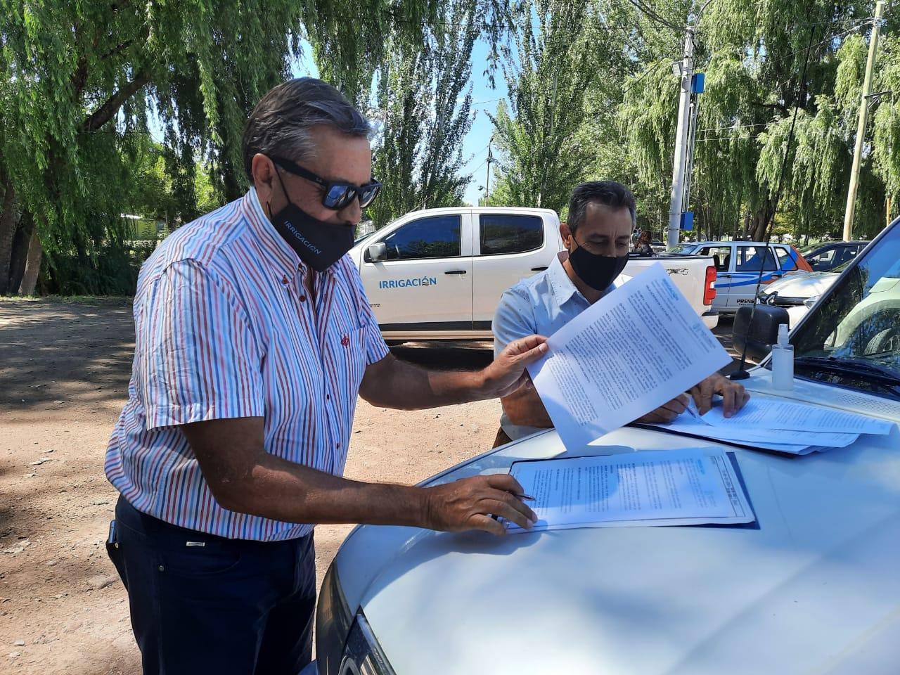 Irrigación y la Municipalidad de San Carlos firmaron un convenio para la cesión de terrenos