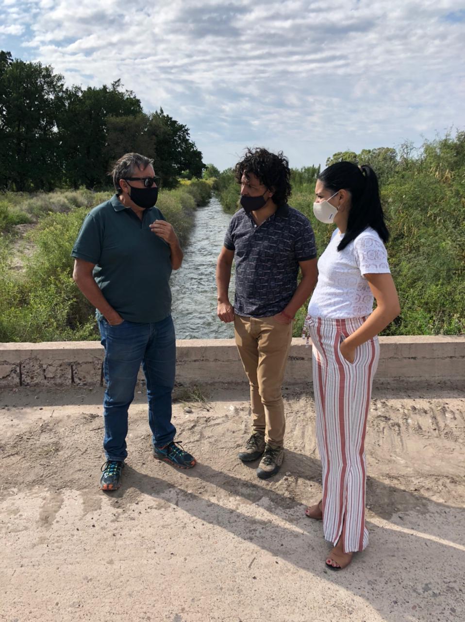Irrigación concreta obras de mantenimiento en Santa Rosa
