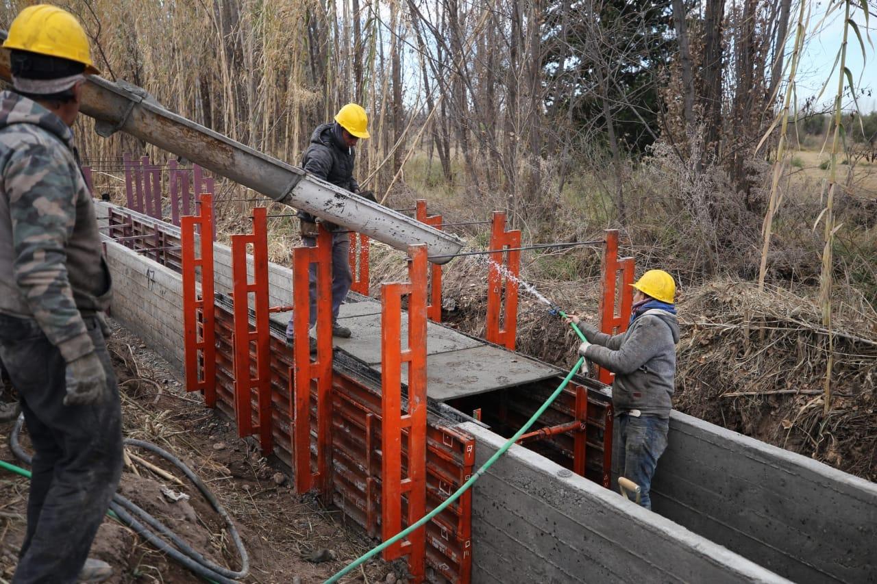 En la cuenca del Atuel continúa avanzando el plan de obras 2021